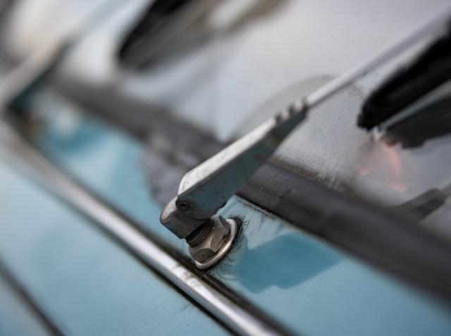 Kapan Sih Anda Sebaiknya Mengganti Wiper Mobil Kamu?