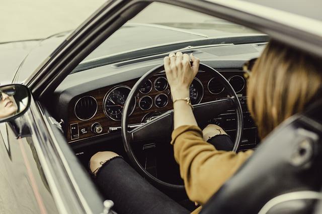 Cara Supaya Anda Bisa Fokus Mengemudi Mobil