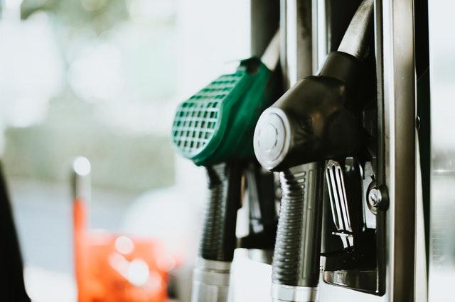 Supaya Tidak Boros, Beginilah Tips Menghemat Bahan Bakar Mobil!