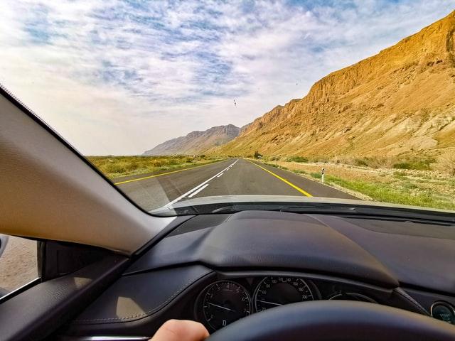 Sebaiknya Belajar Sendiri Atau Ikut Kursus Nyetir Mobil?